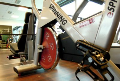 Indoor vs. Outdoor Radfahren